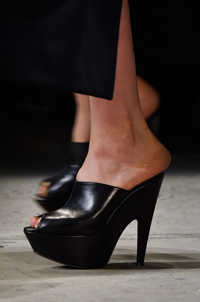 Narciso Rodriguez at New York Fall 2015 (Details) [footwear,high heels,shoe,leg,fashion,basic pump,human leg,close-up,sandal,ankle,shoe,shoe,footwear,narciso rodriguez,runway,high heels,human leg,sandal,new york fashion week,close-up,shoe,high-heeled shoe,sandal,runway]