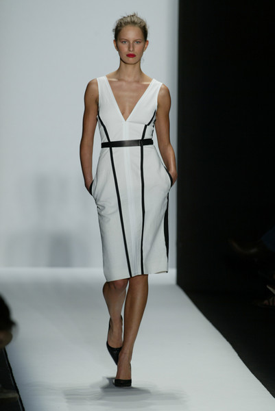 Narciso Rodriguez at New York Spring 2003 [fashion model,fashion show,fashion,runway,clothing,dress,shoulder,fashion design,haute couture,event,cocktail dress,supermodel,runway,fashion,clothing,haute couture,fashion week,model,new york fashion week,fashion show,runway,new york fashion week,fashion,fashion show,model,supermodel,haute couture,fashion week,cocktail dress,clothing]