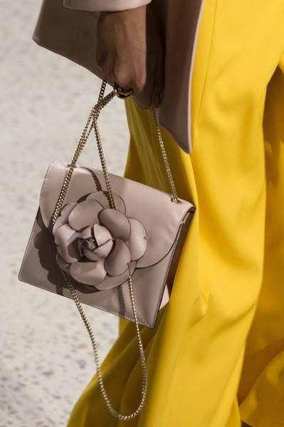Oscar de la Renta at New York Spring 2018 (Details) [yellow,hand,outerwear,photography,fashion accessory,neck,stethoscope,bag,fashion accessory,handbag,oscar de la renta,fashion,spring,photography,chanel,gucci,new york fashion week,handbag,chanel,fashion,spring,bag,gucci]