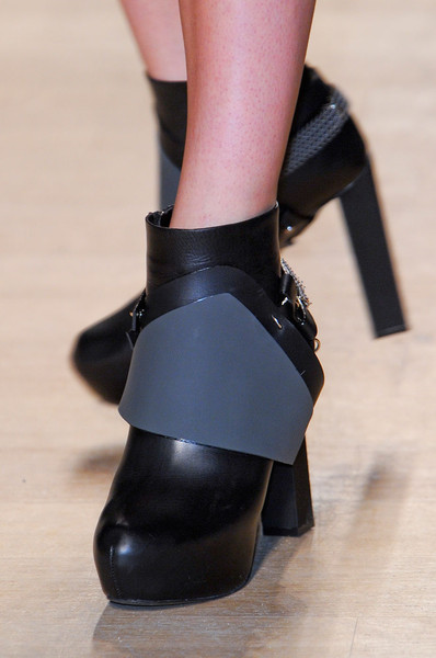 Paco Rabanne at Paris Fall 2012 (Details)