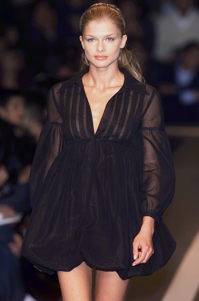 Philosophy di Alberta Ferretti at Milan Spring 2001