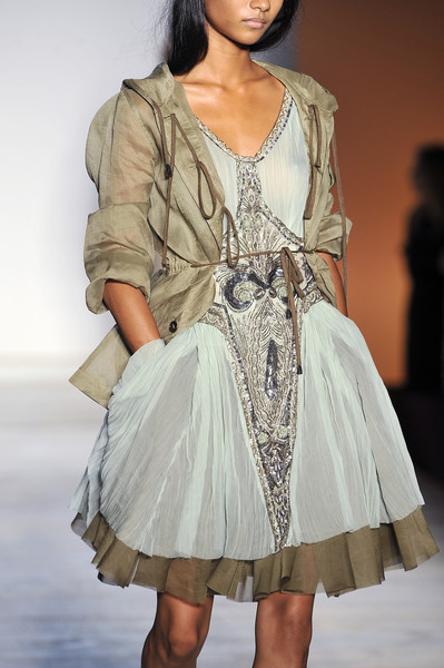 Philosophy di Alberta Ferretti at New York Spring 2009 (Details)