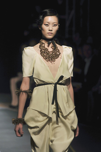 RM by Roland Mouret at Paris Spring 2010