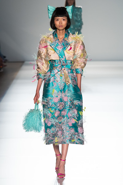 Ralph & Russo at Couture Spring 2020 [fashion model,fashion show,runway,fashion,clothing,fashion design,turquoise,aqua,dress,day dress,tamara ralph,fashion,runway,haute couture,spring,clothing,fashion design,turquoise,ralph russo,couture spring 2020,tamara ralph,ralph russo,haute couture,paris fashion week,fashion,chanel,runway,spring,givenchy]