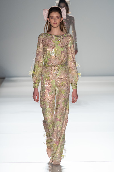 Ralph & Russo at Couture Spring 2020 [fashion model,fashion,fashion show,runway,clothing,haute couture,dress,fashion design,shoulder,event,dress,haute couture,fashion,runway,spring,fashion model,clothing,ralph russo,couture spring 2020,fashion show,haute couture,ralph russo,spring,fashion,fashion show,chanel,2020,runway,autumn]