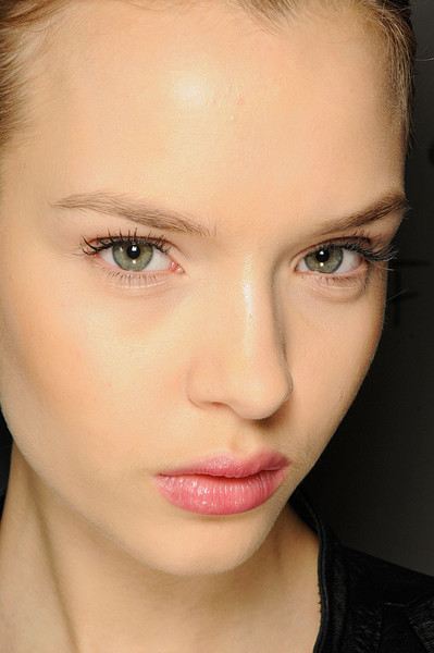 Roland Mouret at Paris Fall 2011 (Backstage)