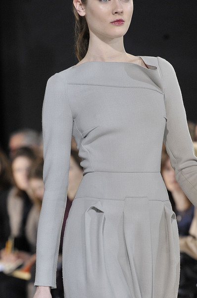 Roland Mouret at Paris Fall 2011 (Details)