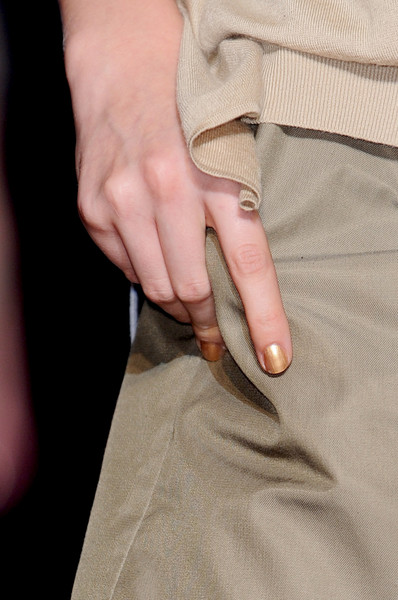 Roland Mouret at Paris Spring 2011 (Details)
