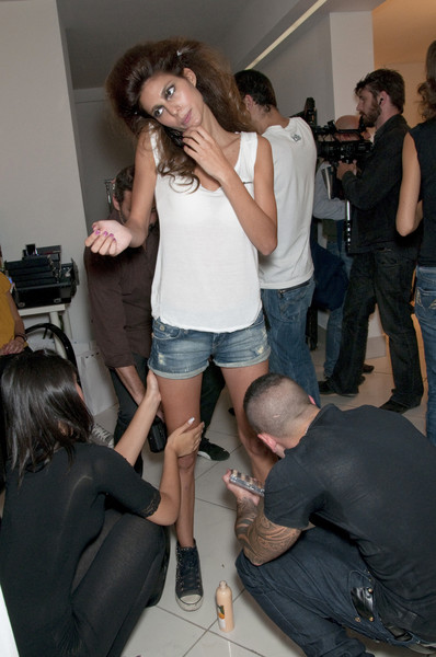Seduzioni Diamonds Valeria Marini at Milan Spring 2011 (Backstage)