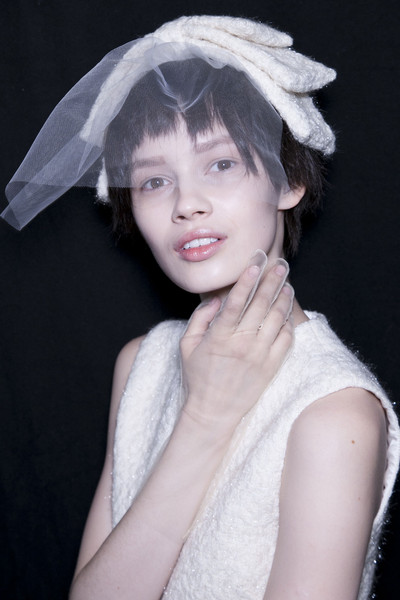 Simone Rocha at London Fall 2013 (Backstage)
