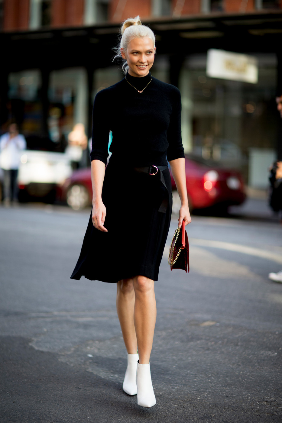 Black White 60 Creative Outfit Ideas From New York Fashion Week Livingly