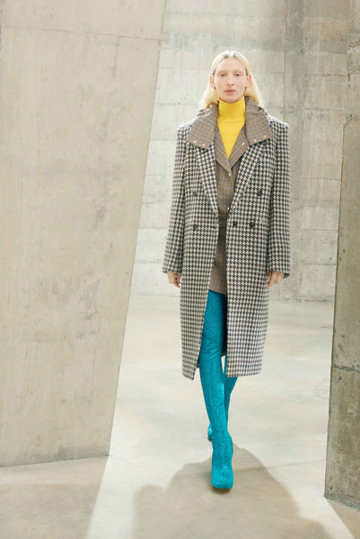 Stella McCartney at Paris Fall 2021 [dress,sleeve,eyewear,knee,waist,street fashion,grey,tartan,collar,thigh,jeans,dress,fashion,fashion model,model,coat,street fashion,pattern,paris fashion week,fashion show,fashion show,coat,jeans,fashion model,fashion,pattern,model]