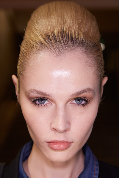 Stéphane Rolland at Couture Spring 2020 (Backstage) [hair,face,eyebrow,hairstyle,forehead,fashion,beauty,head,chin,blond,stephane rolland,beauty,haute couture,spring,seam,hairstyle,fashion,flat,couture spring 2020,fashion show,haute couture,fashion show,seam,spring,summer,booneville/baldwyn airport,beauty,flat,2020,st\u00e9phane rolland]