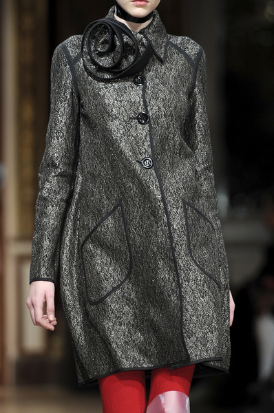Talbot Runhof at Paris Fall 2010 (Details)