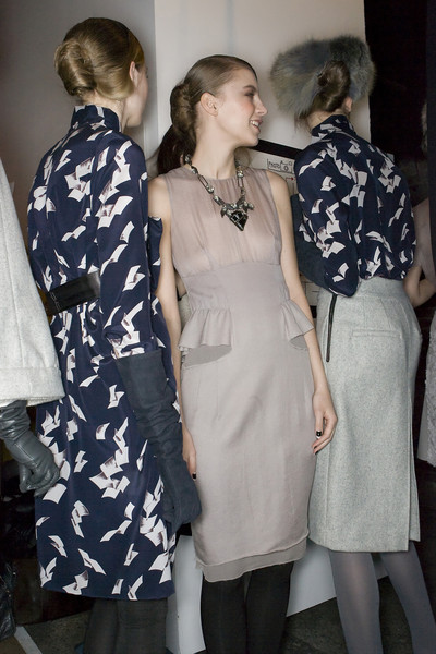 Thakoon at New York Fall 2009 (Backstage)