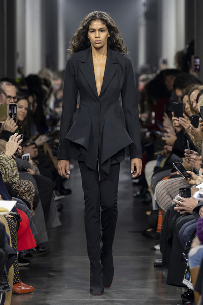 Thierry Mugler at Paris Fall 2019 [fashion model,fashion,runway,fashion show,clothing,suit,event,haute couture,outerwear,pantsuit,thierry mugler,fashion,runway,fashion week,model,clothing,suit,paris fashion week,fashion show,madrid fashion week,thierry mugler,paris fashion week,fashion show,runway,fashion,fashion week,madrid fashion week,autumn,model,ready-to-wear]