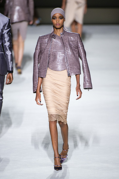 Tom Ford at New York Spring 2019 [fashion show,fashion model,fashion,runway,clothing,public event,fashion design,shoulder,haute couture,event,tom ford,taoray wang,fashion,runway,fashion week,spring,clothing,new york fashion week,fashion show,event,taoray wang,2019 new york fashion week,spring,fashion,fashion show,ready-to-wear,runway,fashion week,summer,model]