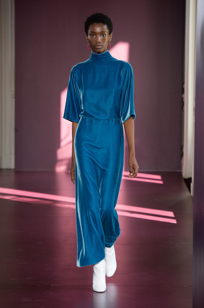 Valentino at Couture Fall 2017 [fashion model,fashion,blue,clothing,runway,fashion show,fashion design,shoulder,haute couture,electric blue,valentino,pierpaolo piccioli,couture fall,fashion,runway,haute couture,clothing,fashion model,fashion design,fashion show,pierpaolo piccioli,runway,fashion show,haute couture,valentino,fashion,autumn,winter,clothing]