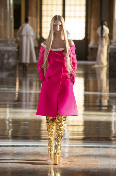 Valentino at Couture Spring 2021 [couture spring 2021,purple,neck,sleeve,waist,standing,street fashion,thigh,fashion model,knee,fashion design,keyboard,valentino,fashion,runway,fashion model,haute couture,purple,neck,fashion show,fashion show,runway,haute couture,fashion,fashion model,model m keyboard]
