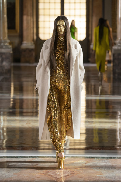 Valentino at Couture Spring 2021 [couture spring 2021,street fashion,water,fashion design,event,metal,fashion accessory,formal wear,visual arts,flooring,human leg,outerwear,keyboard,valentino,fashion,haute couture,street fashion,worship,runway,water,fashion,haute couture,outerwear / m,runway,model m keyboard,outerwear,worship]
