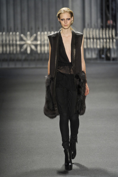Vera Wang at New York Fall 2011