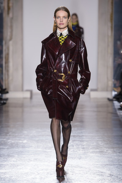 Versace at Milan Fall 2018 [fashion model,fashion show,runway,fashion,clothing,leather,haute couture,public event,fashion design,outerwear,donatella versace,fashion,runway,fashion week,clothing,leather,versace,milan fashion week,fashion show,paris fashion week,milan fashion week,donatella versace,paris fashion week,fashion week,runway,ready-to-wear,fashion,autumn,fashion show]