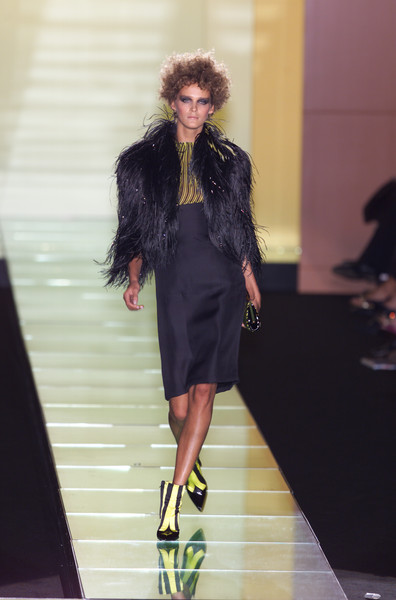 Versace at Couture Spring 2001 [couture spring 2001,photograph,fashion model,fashion,runway,fashion show,clothing,footwear,fashion design,long hair,haute couture,dress,socialite,fashion,runway,haute couture,model,fashion model,versace,fashion show,runway,fashion show,haute couture,fashion,model,supermodel,versace,socialite,photograph]