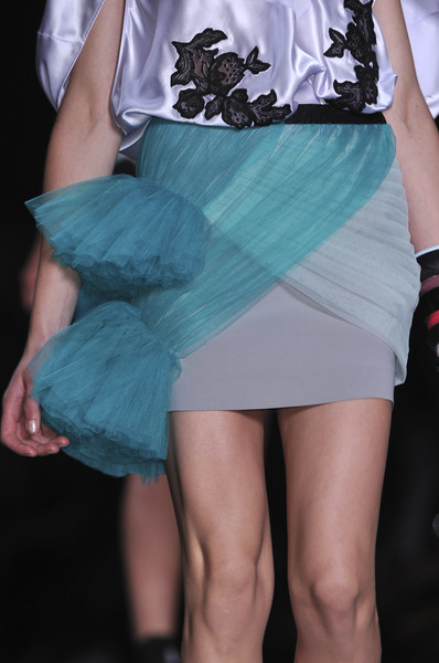 Viktor & Rolf at Paris Spring 2010 (Details)