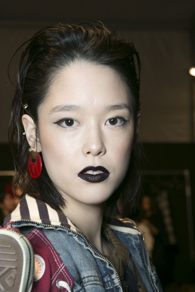 Vivienne Tam at New York Fall 2013 (Backstage)