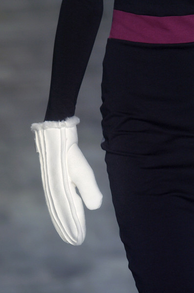 Y-3 at Paris Fall 2005 (Details)