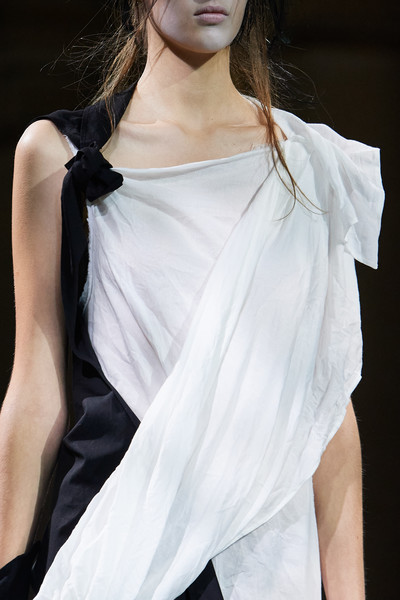 Yohji Yamamoto at Paris Spring 2021 (Details) [fashion model,white,clothing,shoulder,fashion,model,beauty,haute couture,joint,fashion design,gown,outerwear,hair,fashion,model,haute couture,fashion model,runway,paris fashion week,fashion show,fashion show,haute couture,runway,fashion,gown,model,fashion model,long hair,outerwear,hair]