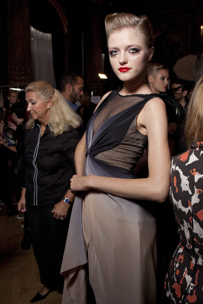 Zac Posen at Paris Spring 2011 (Backstage)
