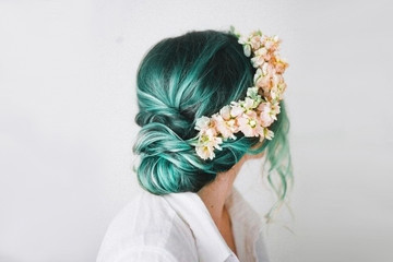 How to Pull Off the Mermaid Hair Trend