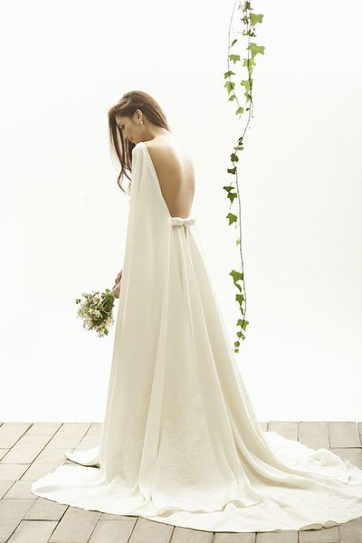 Backless Romance