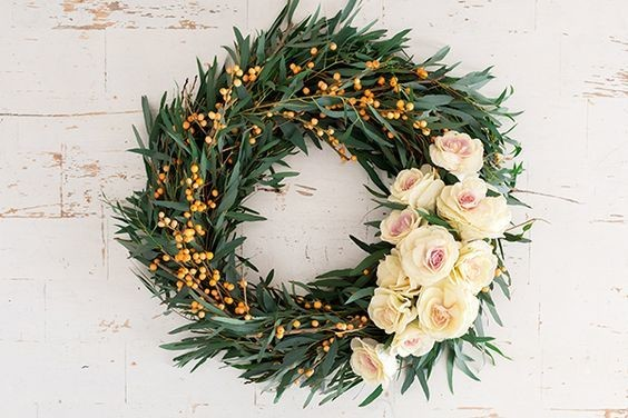 Festive DIY Wreath Ideas to Get You In the Holiday Spirit