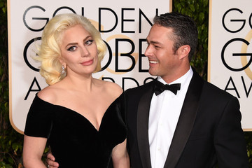 Lady Gaga Wins a Golden Globe, Forgets to Thank Taylor Kinney