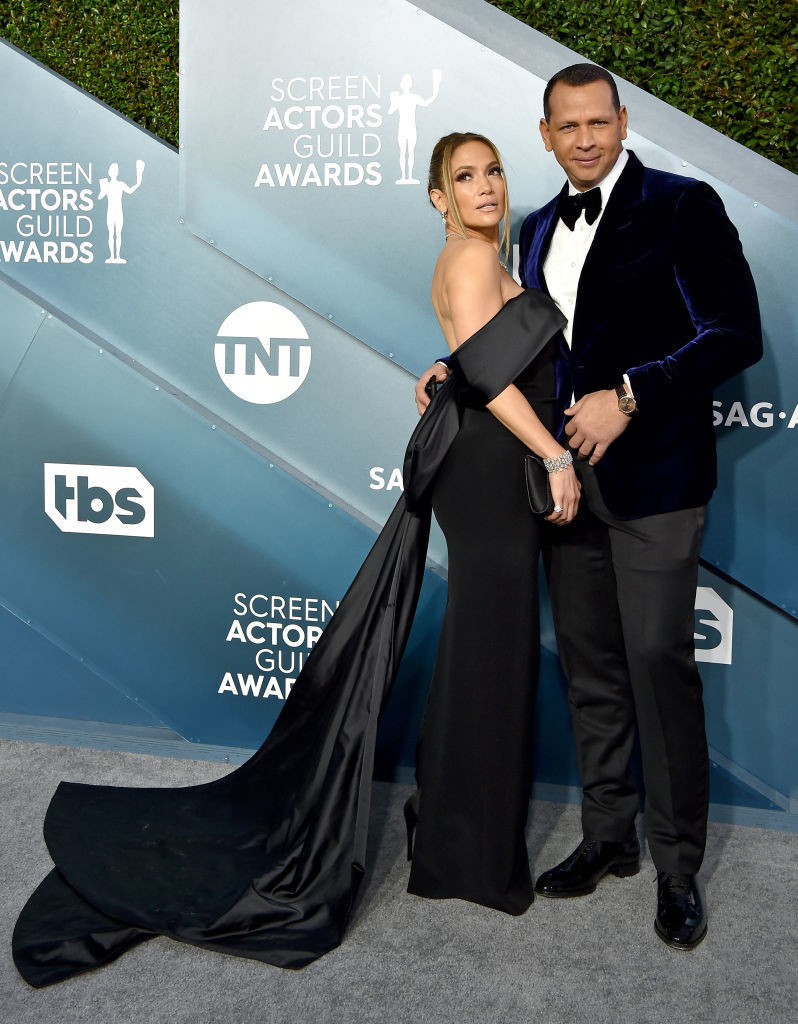 Jennifer Lopez And Alex Rodriguez - Celebrity Couples with Extreme Height Differences - Livingly