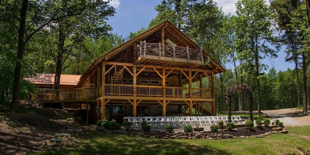 The Grand Barn at the Mohicans in Glenmont, Ohio - The ...