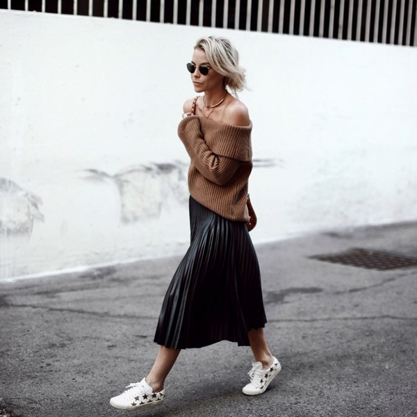 Pair Pleats and Sneaks