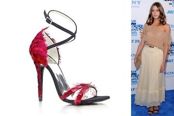 Bird of a Feather: Olivia Palermo in Stuart Weitzman