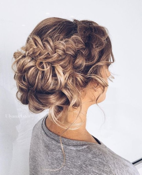 Pretty Braided Bun - Stunning Wedding Hair Ideas to Steal For Your ...