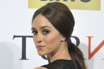 Lessons in History and Fashion from 'TURN: Washington's Spies' Actress Heather Lind