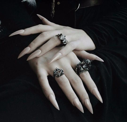 Nude Claws