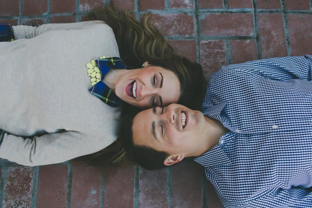 10 Tips to Avoid Terribly Cheesy Engagement Pictures