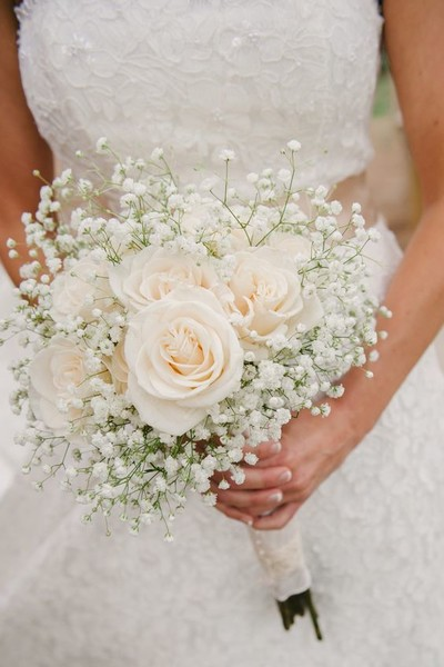 Ivory Roses & Baby's Breath Bouquet