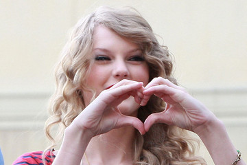 Celebrities In Need of a Valentine 2014
