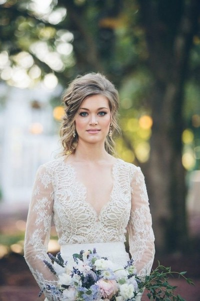 Vintage Vixen - Utterly Chic Vintage Wedding Hairstyles - Livingly