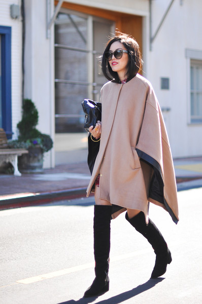 Cape and Poncho Outfit Ideas & Classic - Cape and Poncho Outfit Ideas - Livingly