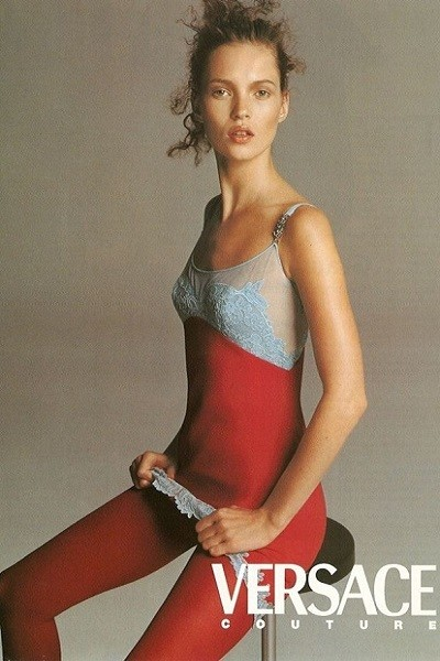 737d9372a750 Kate Moss - The Biggest Style Icons Of The  90s - Livingly