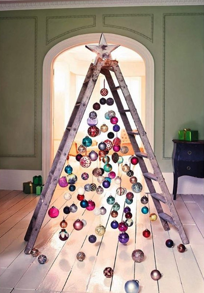 Ladder Christmas Tree.Under The Ladder Diy Christmas Tree Alternatives As